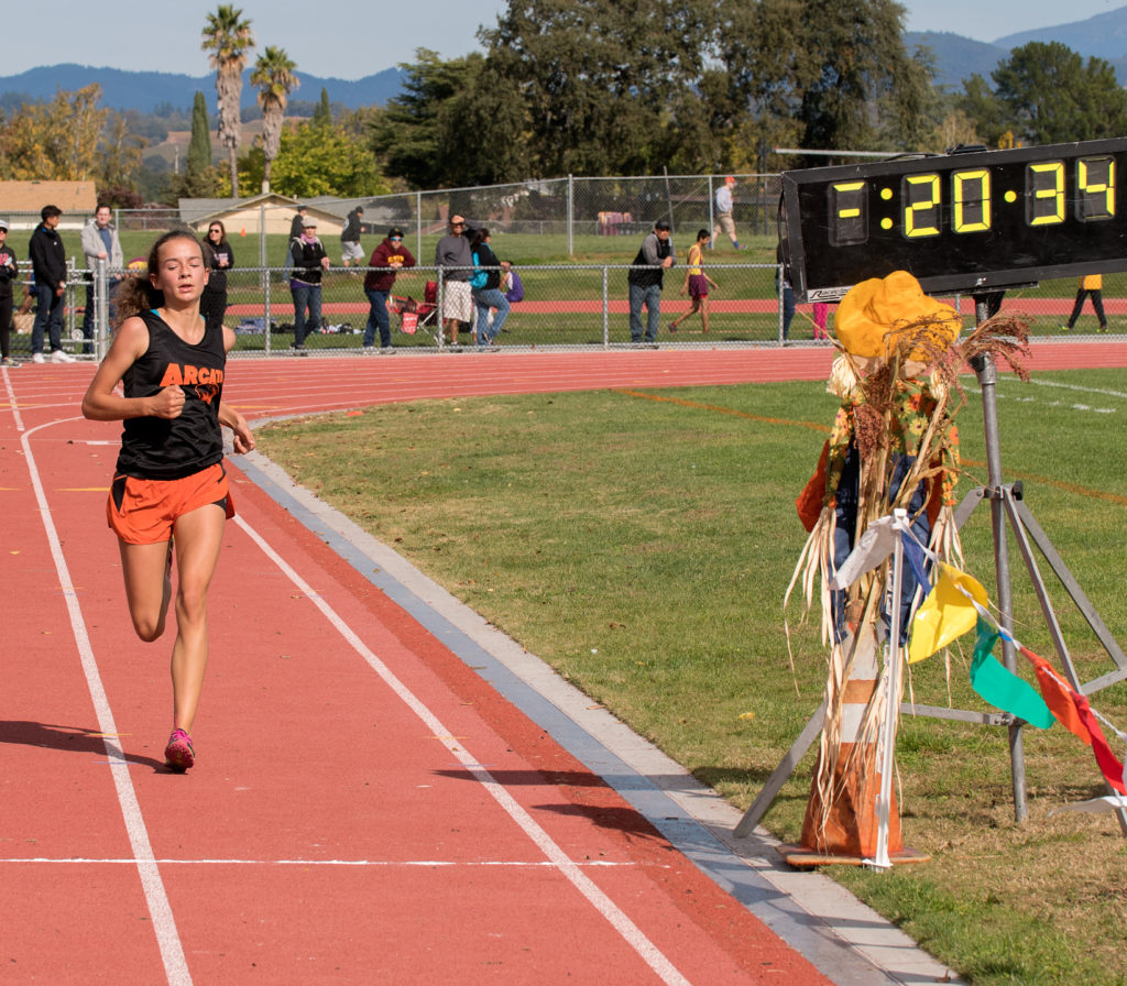 With a strong Finish, Arcata's Riley Martel-Phillips finishes 3rd in 20:35